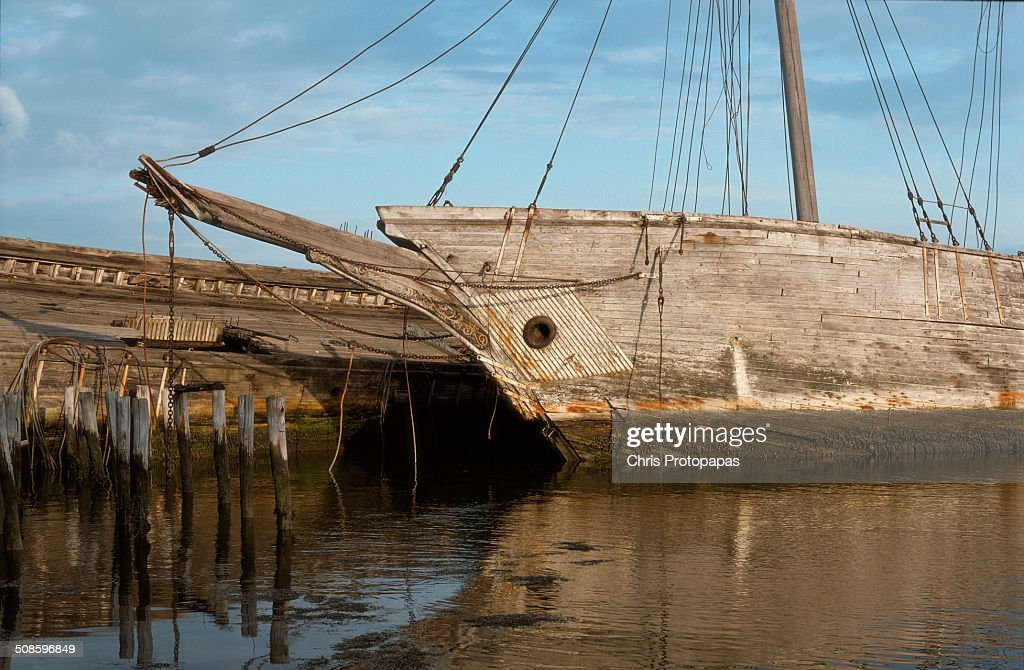 Abandoned sailing ships at Wiscasset Maine : Stock Photo