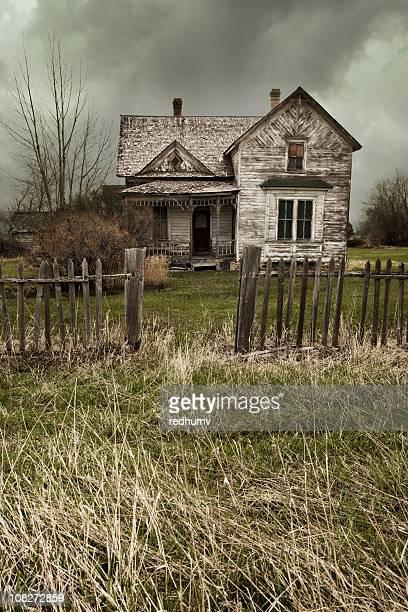 Abandonado House