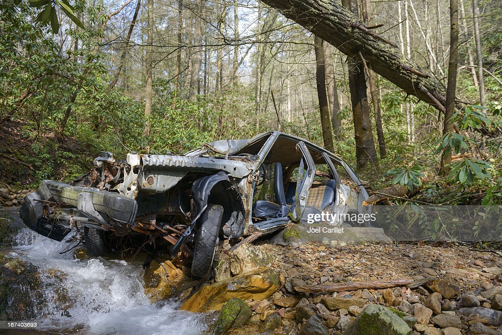 Abandoned wrecked car in woods in Unicoi County, Tennessee : Stock Photo