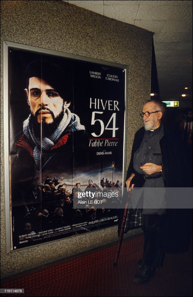 Abbe Pierre in Nantes France on October 23 1989 Abbe Pierre at the cinema Gaumont for the projection of his film ' Hiver 54 '