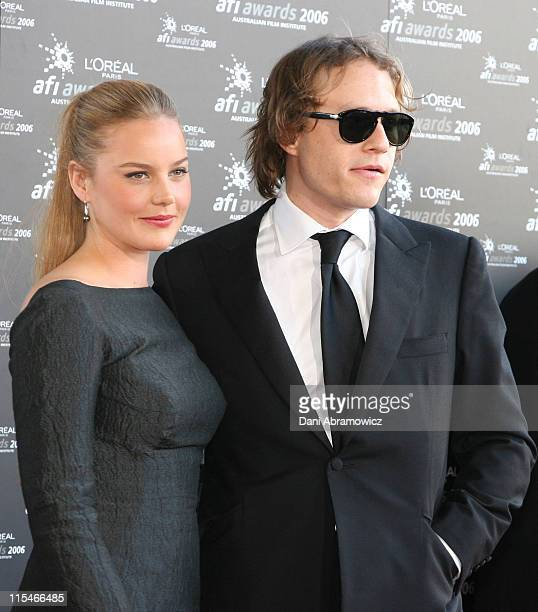 Abbie Cornish and Heath Ledger during L'Oreal Paris 2006 AFI Awards Arrivals at Melbourne Exhibition Centre in Melbourne VIC Australia