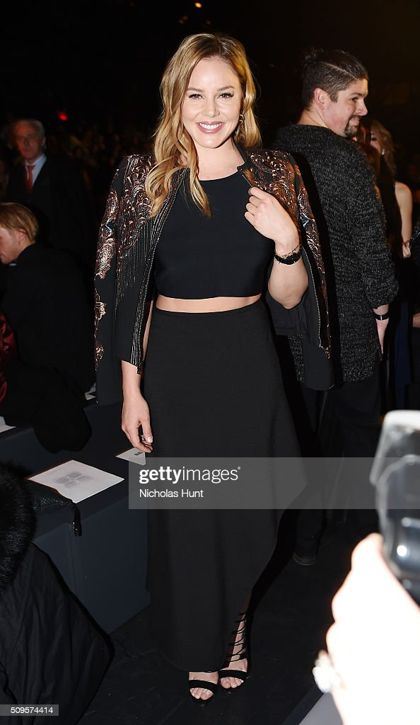 <a gi-track='captionPersonalityLinkClicked' href=/galleries/search?phrase=Abbie+Cornish&family=editorial&specificpeople=213603 ng-click='$event.stopPropagation()'>Abbie Cornish</a> attends BCBGMAXAZRIA - Front Row - Fall 2016 New York Fashion Week: The Shows at The Arc, Skylight at Moynihan Station on February 11, 2016 in New York City.