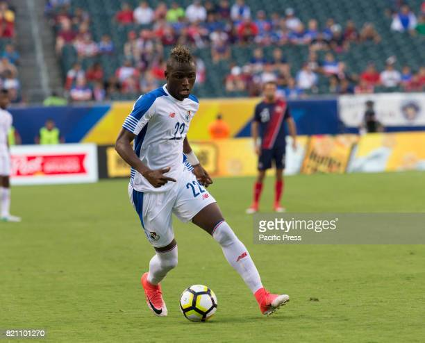 Abdiel Arroyo of Panama controls ball during 2017 Gold Cup quarterfinal game against Costa Rica Costa Rica won 1 0