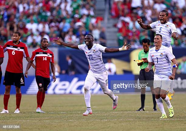 Abdiel ArroyoBlas Perez and Roman Torres of Panama celebrate the win over Trinidad Tobago during the quarterfinals of the 2015 CONCACAF Gold Cup at...