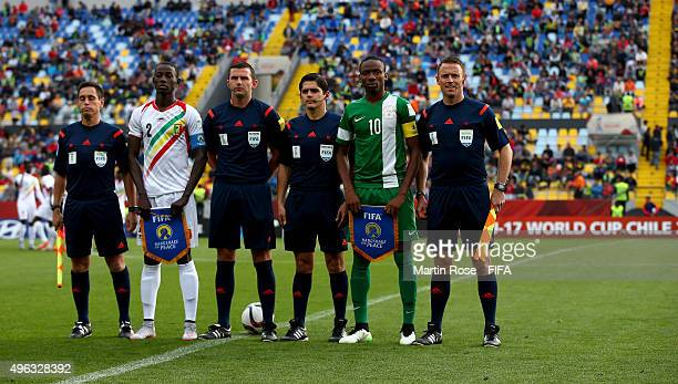 Abdoul Dante of Mali and Kelechi Nwakali of Nigeria line up befrore the FIFA U17 Men's World Cup 2015 final match between Mali and Nigeria at Estadio...