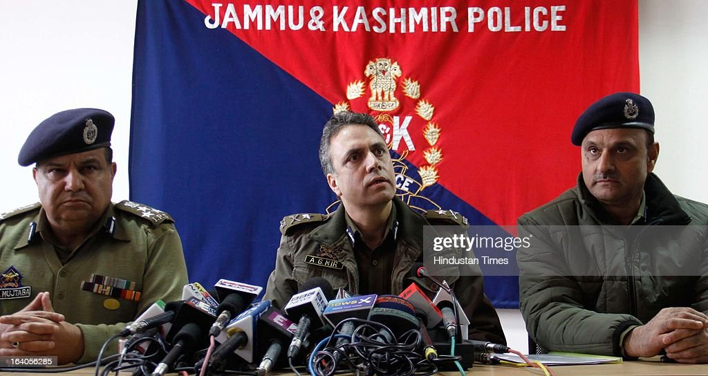 Abdul Gani Mir (C) Inspector General of Jammu and Kashmir Police Kashmir Range, addressing a press conference in connection with fidayeen attack on CRPF Camp at Police Control Room, on March 19, 2013 in Srinagar, India. J&K Police has arrested four people and recovered huge cache of arms and ammunition.