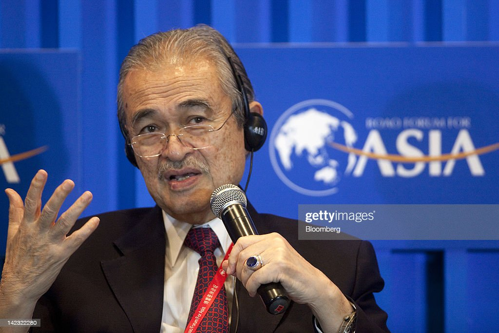 leadership of abdullah ahmad badawi It is such an irony that leader who brought malaysia into the bleakest  if tun  abdullah ahmad badawi had succumbed to the pressure applied.