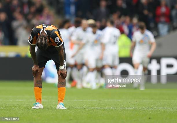Abel Hernandez of Hull City reacts as Sunderland celebrate their second goal during the Premier League match between Hull City and Sunderland at KCOM...