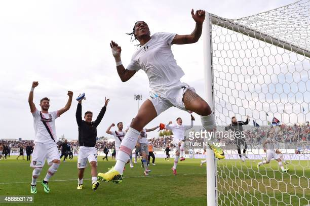 Abel Hernandez of Palermo celebrates with his team mates after winning during the Serie B match between US Latina Calcio and US Citta di Palermo on...