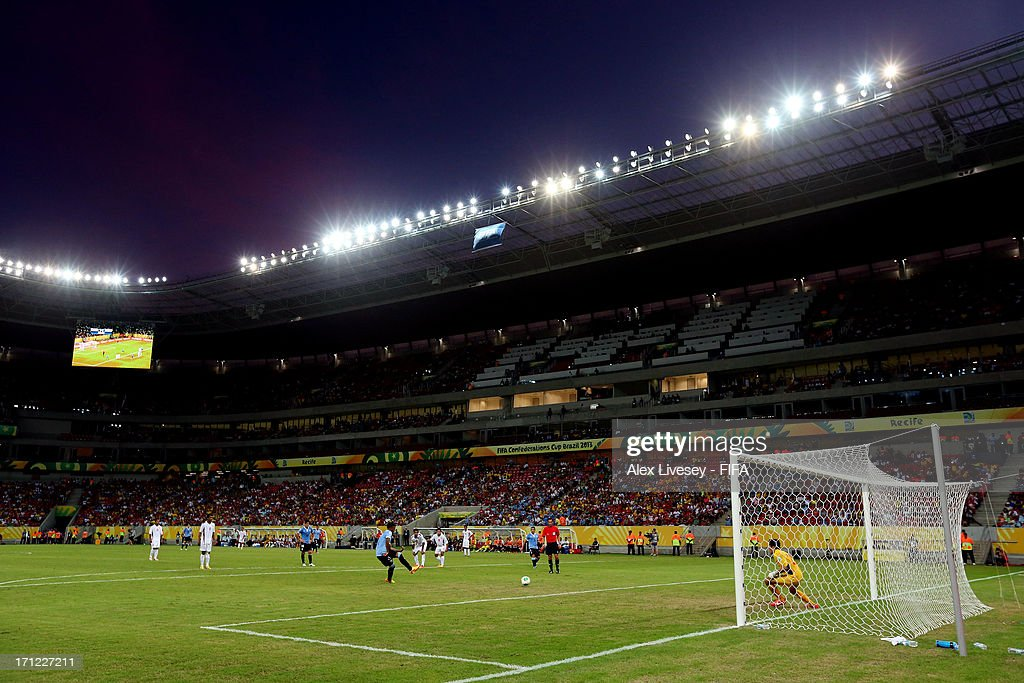 Abel HernandezAbel Hernandez of Uruguay converts a penalty kick for a goal in the 67th minute against Tahiti during the FIFA Confederations Cup Brazil 2013 Group B match between Uruguay and Tahiti at Arena Pernambuco on June 22, 2013 in Recife, Brazil.