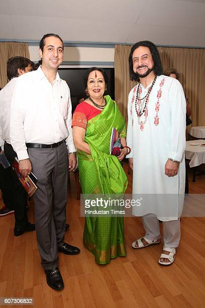 Abhay Rustum Sopori Indian classical dance exponent Sonal Mansingh and Pandit Bhajan Sopori during a press conference of Namaste France and meet some...