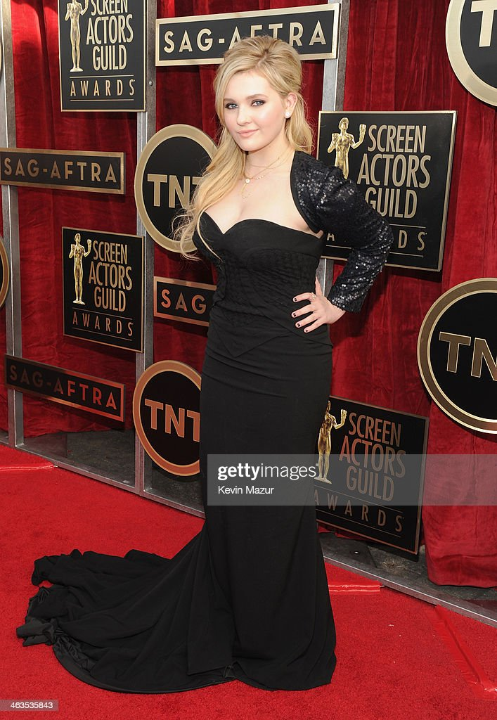 <a gi-track='captionPersonalityLinkClicked' href=/galleries/search?phrase=Abigail+Breslin&family=editorial&specificpeople=226628 ng-click='$event.stopPropagation()'>Abigail Breslin</a> attends 20th Annual Screen Actors Guild Awards at The Shrine Auditorium on January 18, 2014 in Hollywood, California.