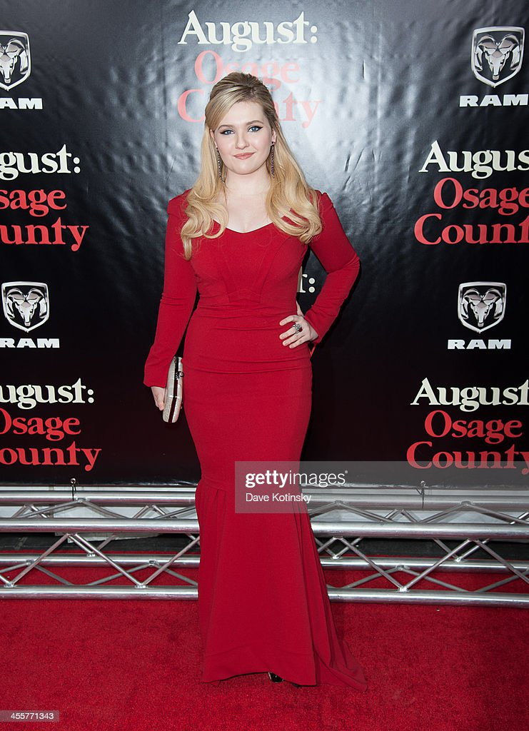 Abigail Breslin attends the 'August: Osage County' premiere at Ziegfeld Theater on December 12, 2013 in New York City.