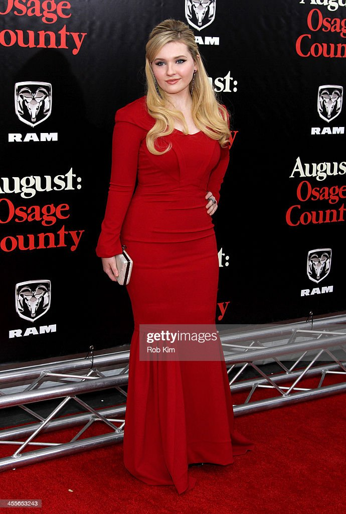 Abigail Breslin attends the premiere of