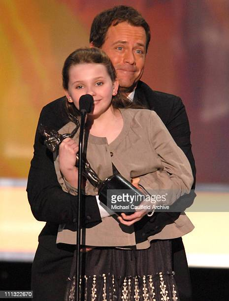 Abigal Breslin and Greg Kinnear winners Outstanding Performance by a Cast in a Motion Picture for 'Little Miss Sunshine' 12865_MC_08401jpg