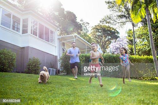 アボリジニご家族でお楽しみいただける一日の終わりには、庭園で