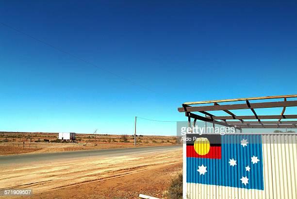 Aboriginal flag inserted in the Australian flag