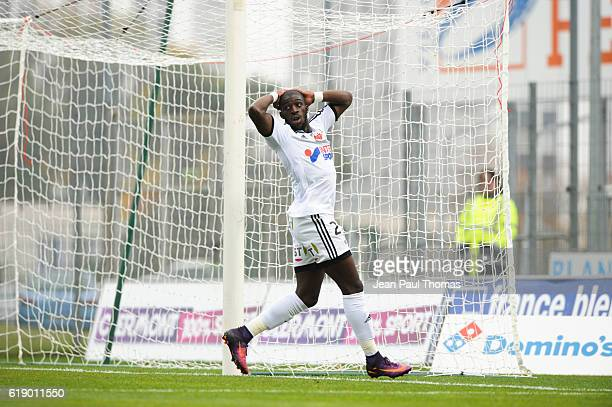 Aboubakar KAMARA of Amiens looks dejected during the French Ligue 2 between Clermont and Amiens at Stade Gabriel Montpied on October 29 2016 in...