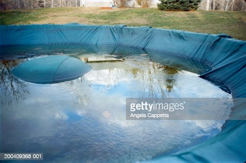 Free Standing Above Ground Swimming Pools: Free Standing Swimming Pool Stock Photos And Pictures
