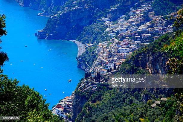 Sopra Positano e Amlafi turchese mare-Vista aerea della costa