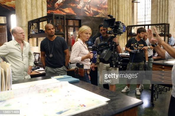 CHASE 'Above the Law' Episode 104 Pictured Director Paul McCrane Amaury Nolasco as Marco Martinez Kelli Giddish as Annis Frost