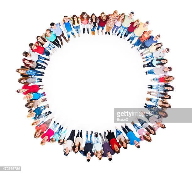 Luftaufnahme von erfreut Gruppe von Menschen im Kreis.