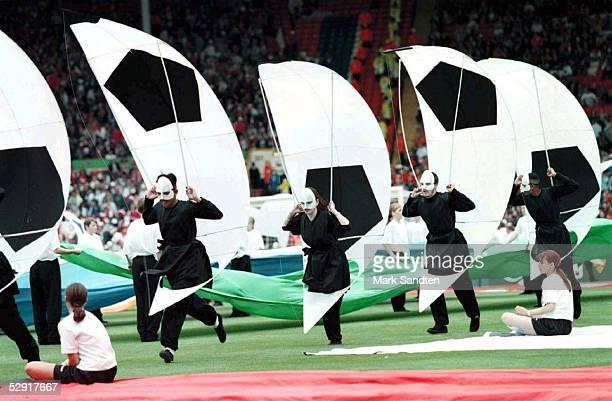 FUSSBALL Abschlussfeier EURO 1996 London 30696