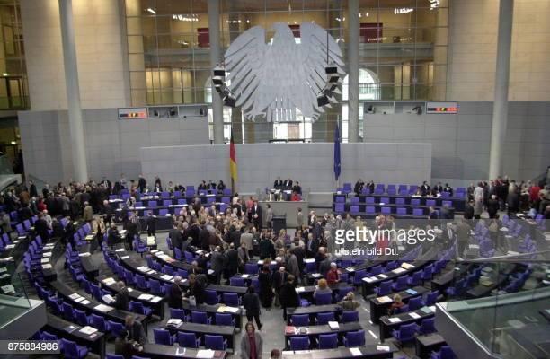 Abstimmung im Deutschen Bundestag zum Zuwanderungsgesetz Blick in den Plenarsaal während der Abstimmung