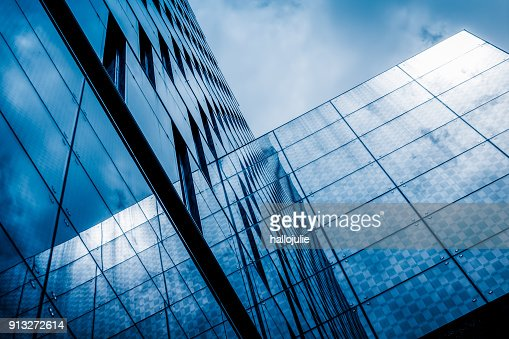 Resumen de construcción de reflexiones edificio Torre : Foto de stock