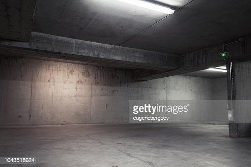 Abstracta fondo interior, garaje vacío : Foto de stock
