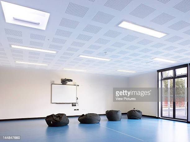 Acacia Intergenerational Activity Centre Grove Road LondonUnited Kingdom Architect C U R L L A T O U R E L L E A R C H I T E C T S Fitness Room/ Gym...