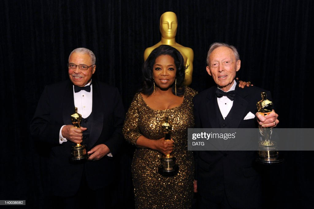 AWARDS(r) - BACKSTAGE - Academy Awards for outstanding film achievements of 2011 presented on Sunday, February 26 (8:30 p.m., ET/5:30 p.m., PT), from the Hollywood & Highland Center(r) and televised live by the ABC Television Network. (Photo by A.M.P.A.S.(r) via Getty Images) SMITH