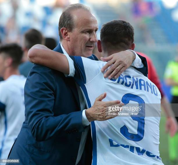 Accademy Director of FC Internazionale Milano Juvenile coach Roberto Samaden celebrates the victory with Andrea Cagnano at the end of the Primavera...