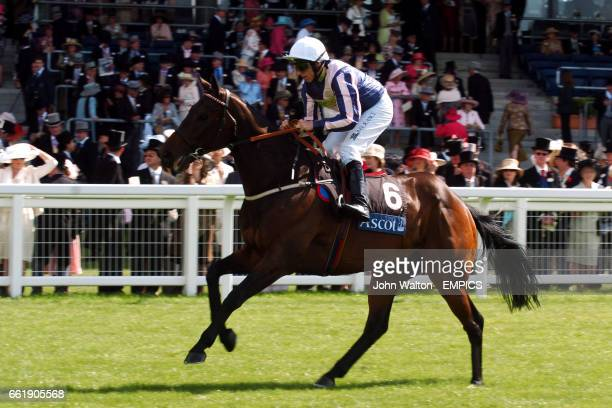 Ace Of Hearts ridden by Eddie Ahern goes to post prior to The Royal Hunt