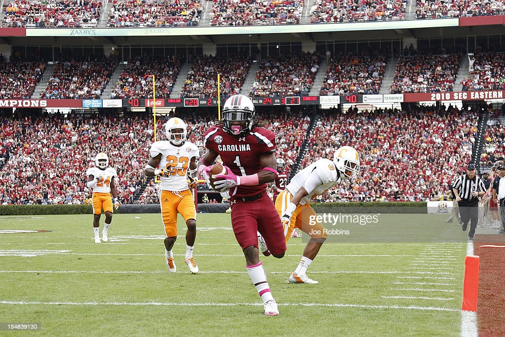 Ace Sanders #1 of the South Carolina Gamecocks runs into the end zone with a 24-yard touchdown reception in the third quarter against the Tennessee Volunteers during the game at Williams-Brice Stadium on October 27, 2012 in Columbia, South Carolina.
