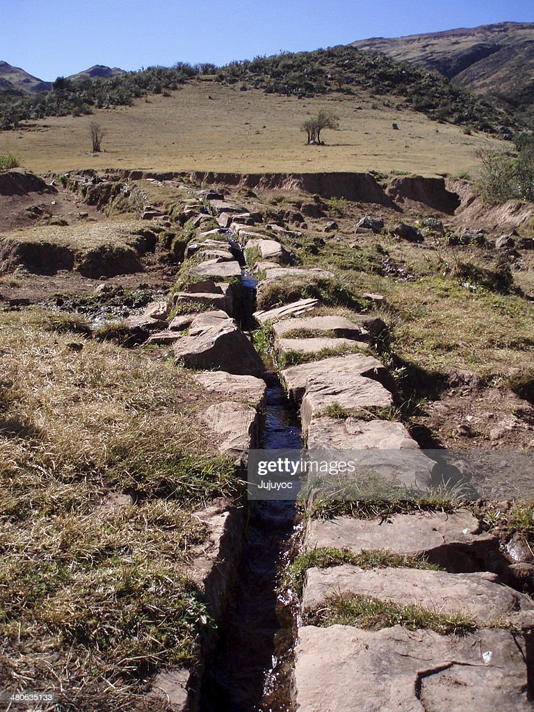 Acequia de piedras : Stock Photo