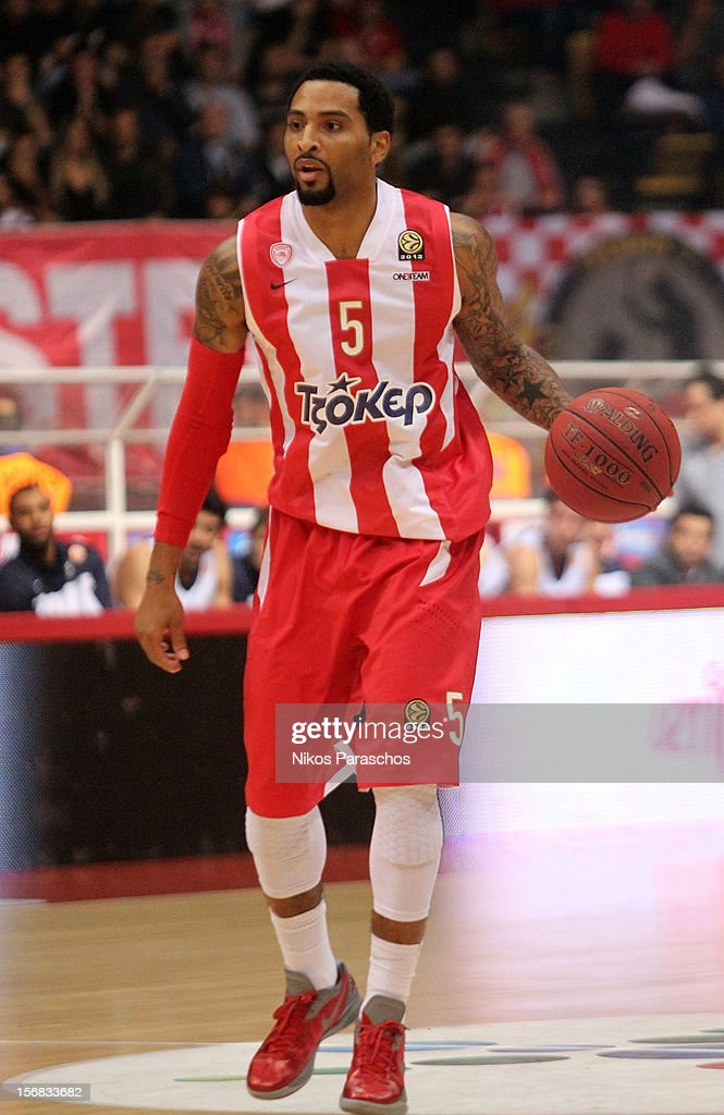 <a gi-track='captionPersonalityLinkClicked' href=/galleries/search?phrase=Acie+Law&family=editorial&specificpeople=801584 ng-click='$event.stopPropagation()'>Acie Law</a>, #5 of Olympiacos Piraeus in action during the 2012-2013 Turkish Airlines Euroleague Regular Season Game Day 7 between Olympiacos Piraeus v Anadolu EFES Istanbul at Peace and Friendship Stadium on November 22, 2012 in Athens, Greece.
