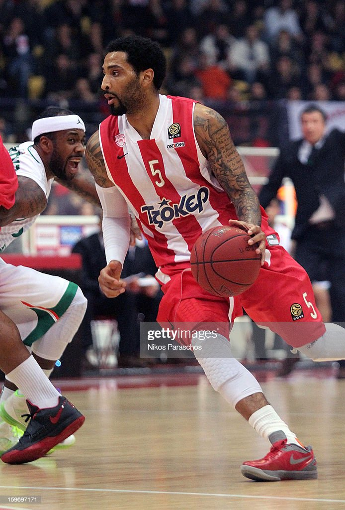 <a gi-track='captionPersonalityLinkClicked' href=/galleries/search?phrase=Acie+Law&family=editorial&specificpeople=801584 ng-click='$event.stopPropagation()'>Acie Law</a>, #5 of Olympiacos Piraeus in action during the 2012-2013 Turkish Airlines Euroleague Top 16 Date 4 between Olympiacos Piraeus v Montepaschi Siena at Peace and Friendship Stadium on January 18, 2013 in Athens, Greece.