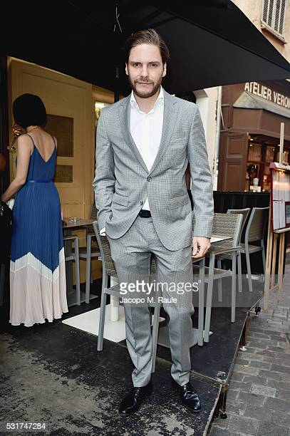 Acotr Daniel Bruhl attends IMDb's 2016 Dinner Party In Cannes at Restaurant Mantel on May 16 2016 in Cannes France