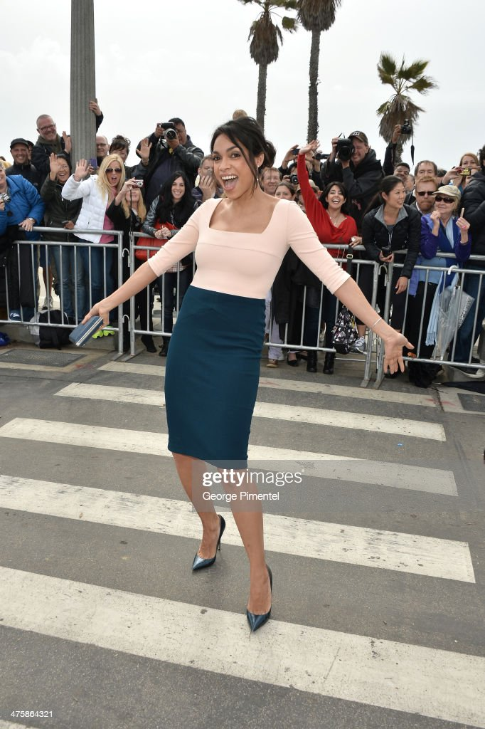 Acterss <a gi-track='captionPersonalityLinkClicked' href=/galleries/search?phrase=Rosario+Dawson&family=editorial&specificpeople=201472 ng-click='$event.stopPropagation()'>Rosario Dawson</a> attends the 2014 Film Independent Spirit Awards at Santa Monica Beach on March 1, 2014 in Santa Monica, California.