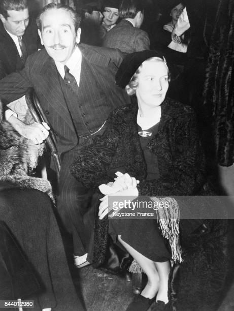 L'acteur américain Adolphe Menjou et son épouse l'actrice Verree Teasdale photographiés aux EtatsUnis le 11 janvier 1936