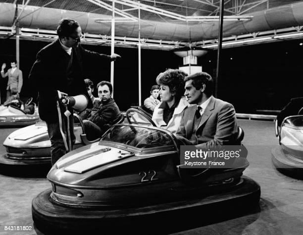 L'acteur égyptien Omar Sharif l'actrice française Anouk Aimée et le réalisateur américain Sidney Lumet lors du tournage du film 'The appointment' en...