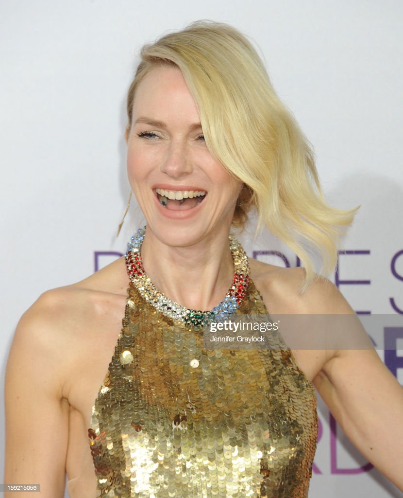 Actir <a gi-track='captionPersonalityLinkClicked' href=/galleries/search?phrase=Naomi+Watts&family=editorial&specificpeople=171723 ng-click='$event.stopPropagation()'>Naomi Watts</a> attends the 2013 People's Choice Awards Arrivals held at Nokia Theatre L.A. Live on January 9, 2013 in Los Angeles, California.