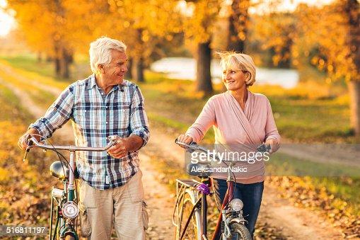 Active senior pareja