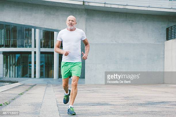 Active, Senior homme Jogging
