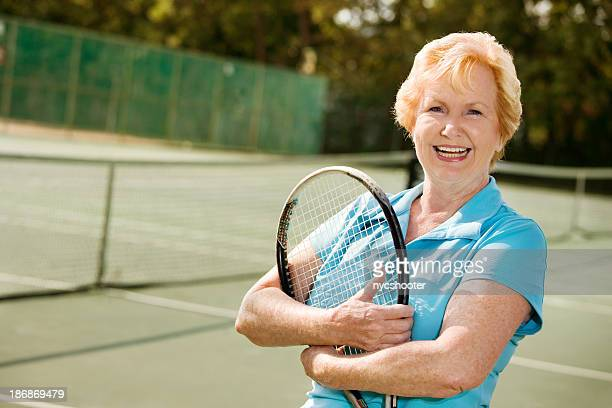 Aktive Senior Frau tennis Spieler