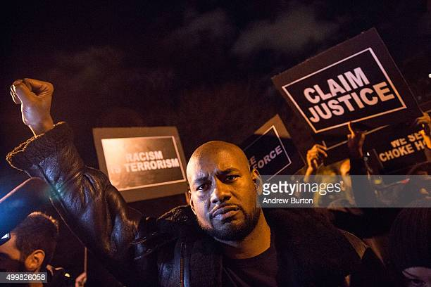 Activists protest outside Gracie Mansion the traditional home of New York City mayors calling for further action against Daniel Pantaleo the New York...