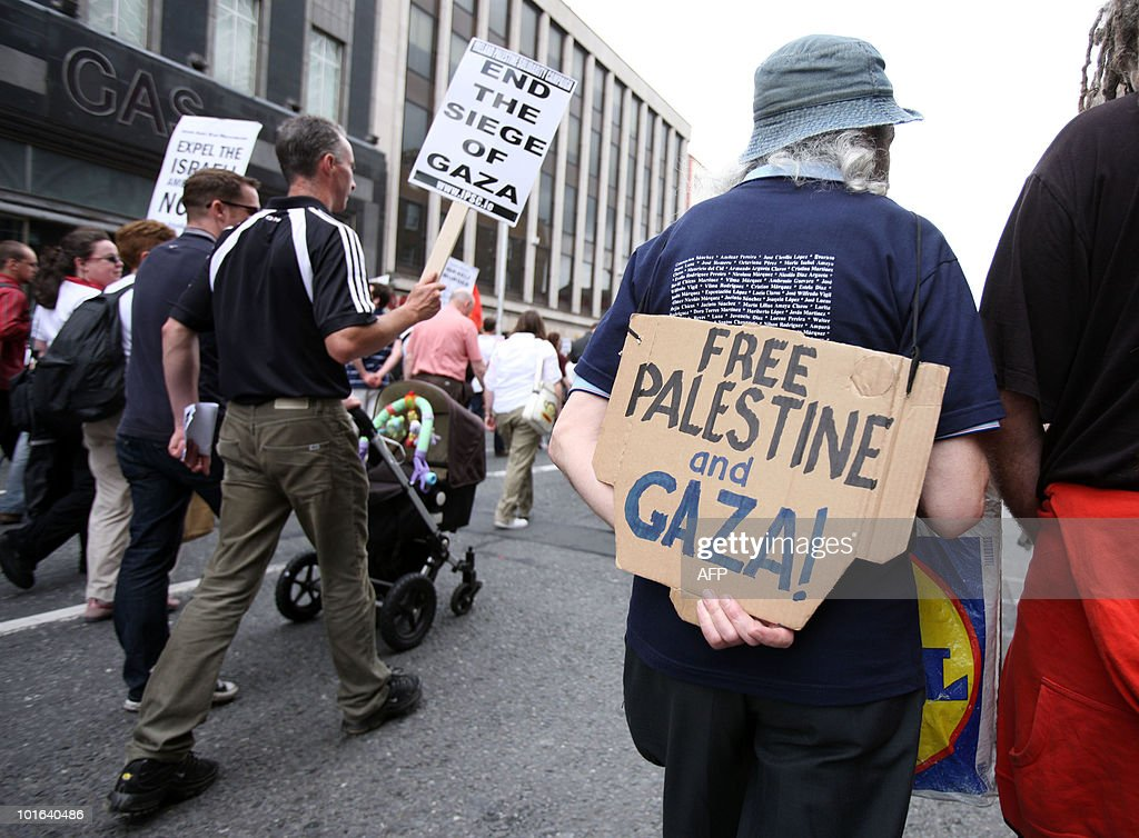 Activists take part in a protest against Israel in Dublin, on June 5, 2010 to condemn the attack against the freedom flotilla by Israeli troops last May 31 in which nine activists were killed and scores wounded.