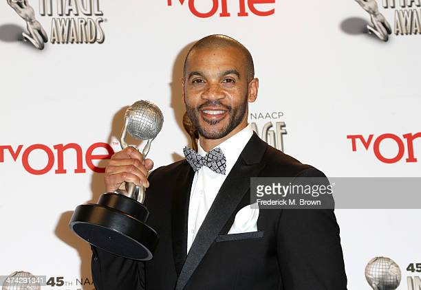 Actor Aaron D Spears winner of the Outstanding Actor in a Daytime Drama Series award for 'The Bold and the Beautiful' poses in the press room during...