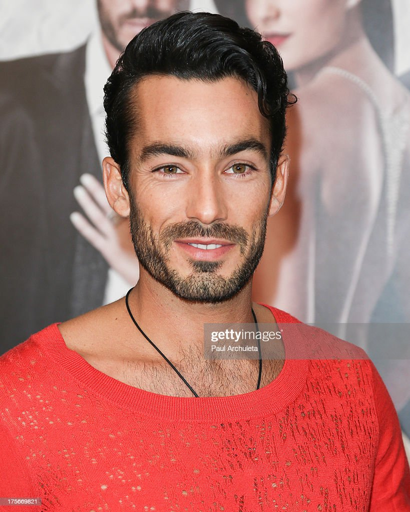 Actor <a gi-track='captionPersonalityLinkClicked' href=/galleries/search?phrase=Aaron+Diaz&family=editorial&specificpeople=4423470 ng-click='$event.stopPropagation()'>Aaron Diaz</a> attends the Telemundo press annoucement for 'Santa Diabla' at the Regent Beverly Wilshire Hotel on August 5, 2013 in Beverly Hills, California.
